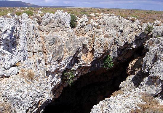 Peristeras Cave