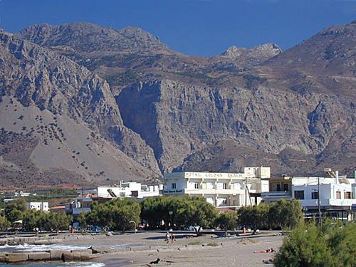 Pachia Ammos and Ha Gorge